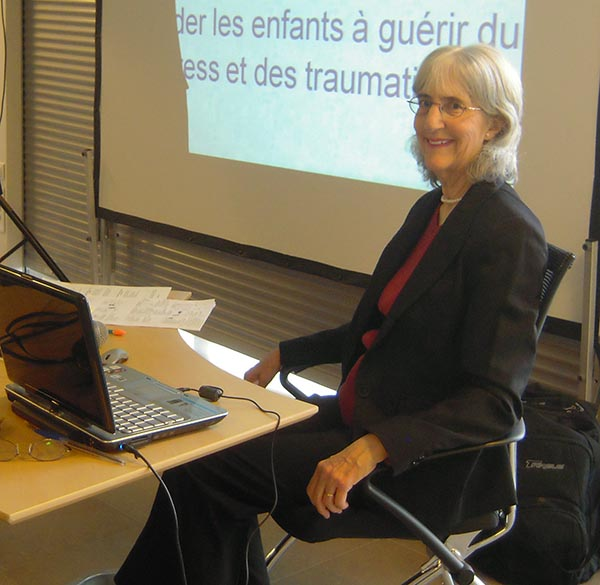 Aletha Solter leading a workshop in France